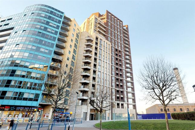 Thumbnail Flat for sale in Royal Docks West, London