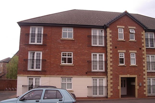 Thumbnail Flat to rent in Piele Road, St Helens