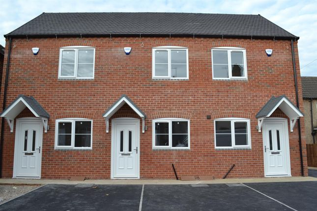 Thumbnail Town house for sale in Belvedere Road, Woodville, Swadlincote