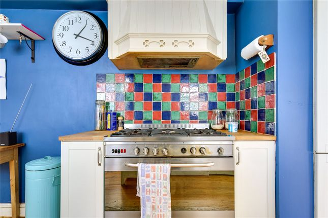 Kitchen of Mossford Street, Bow, London E3