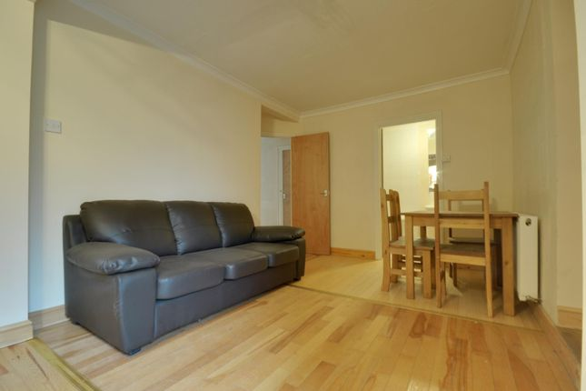 Thumbnail Semi-detached house to rent in Collingwood Road, Uxbridge, Middlesex