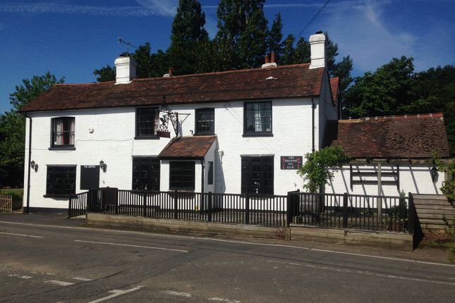 Pub/bar to let in Tandridge Lane, Oxted