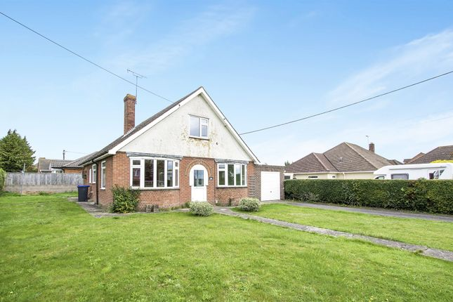 Thumbnail Bungalow for sale in Larkhill Road, Durrington, Salisbury