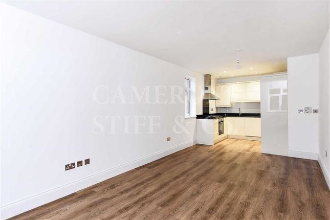 Flat for sale in Chatsworth Road, Willesden Green, London