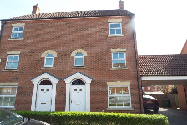 Thumbnail Semi-detached house to rent in Parsons Road, Langley, Slough