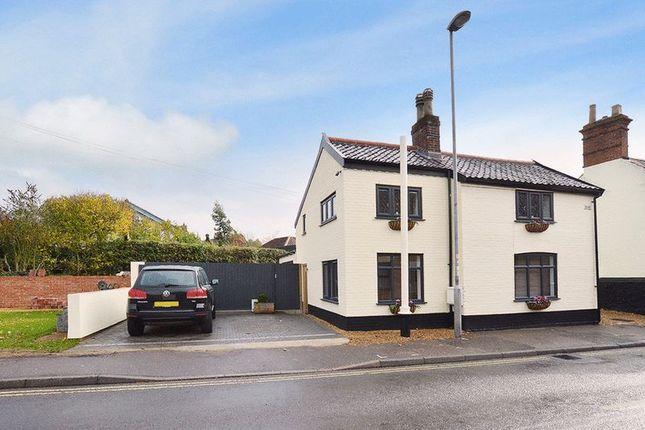 Thumbnail Cottage for sale in Avenue Road, Wymondham