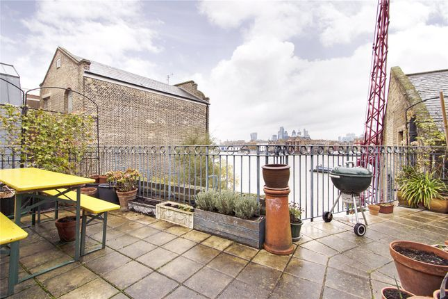 2 bed flat to rent in Granary House, 2 Hope Wharf, London