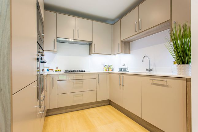 1 bedroom flat for sale in Woodford Road, Watford