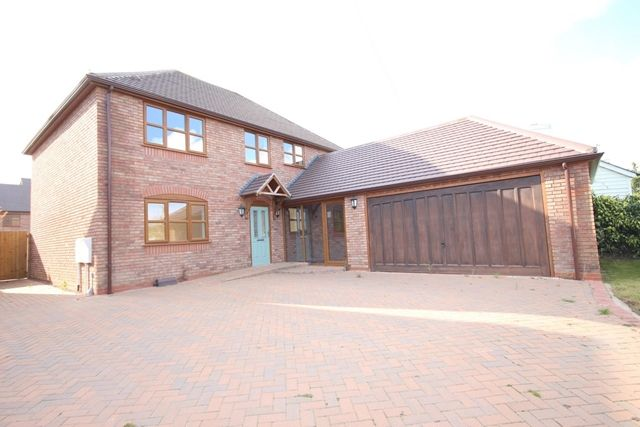 Thumbnail Detached house to rent in Martley Road, Lower Broadheath, Worcester