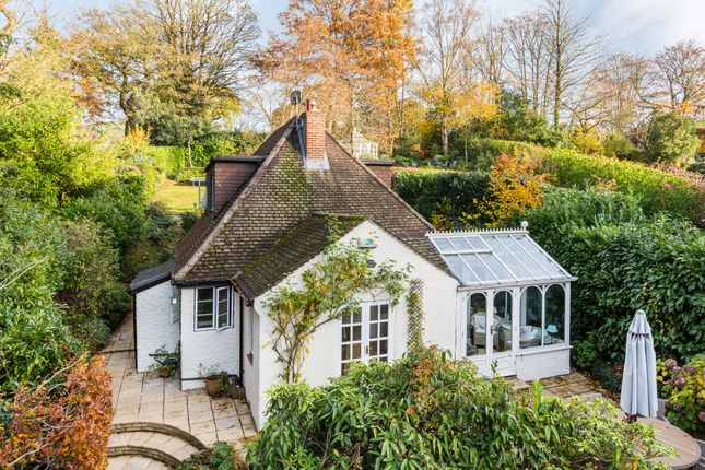 Thumbnail Detached house for sale in Hosey Hill, Westerham
