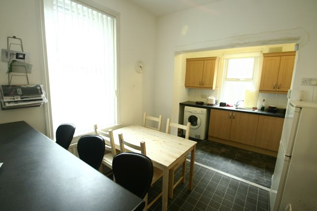 3 bed terraced house to rent in Station Road, South Gosforth