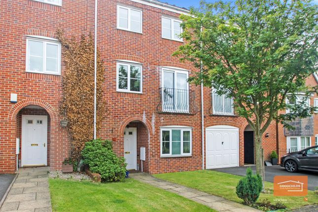 Thumbnail Town house to rent in Windrush Close, Pelsall, Walsall