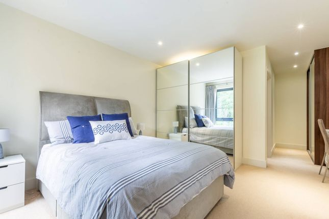 Thumbnail Flat for sale in Westleigh Avenue, Putney