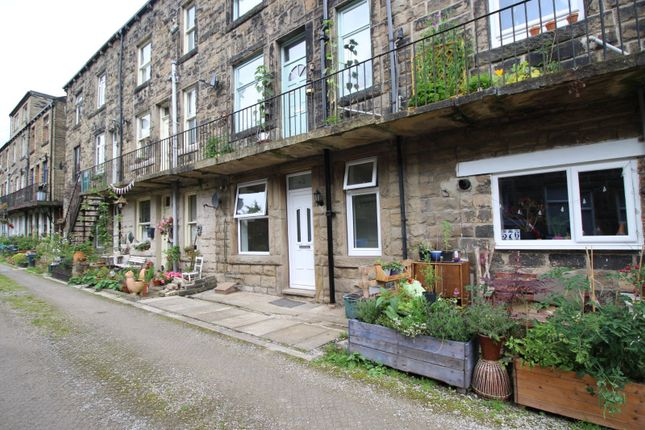 Picture No. 02 of Back Victoria Terrace, Todmorden, West Yorkshire OL14