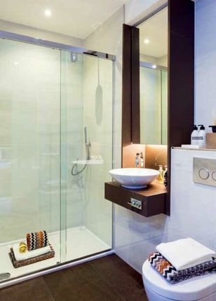 Bathroom of Lexicon Apartments, London EC1V