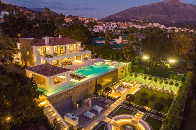 Thumbnail Villa for sale in La Cerquilla, Nueva Andalucia, Marbella