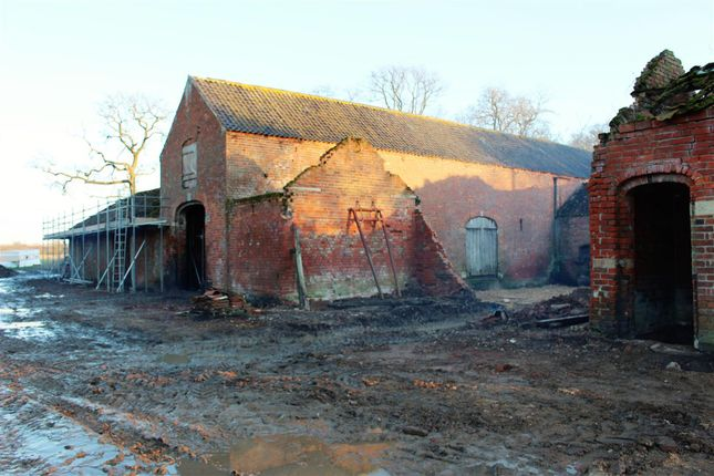 4 bed barn conversion for sale in Brandon Road, Hougham, Grantham
