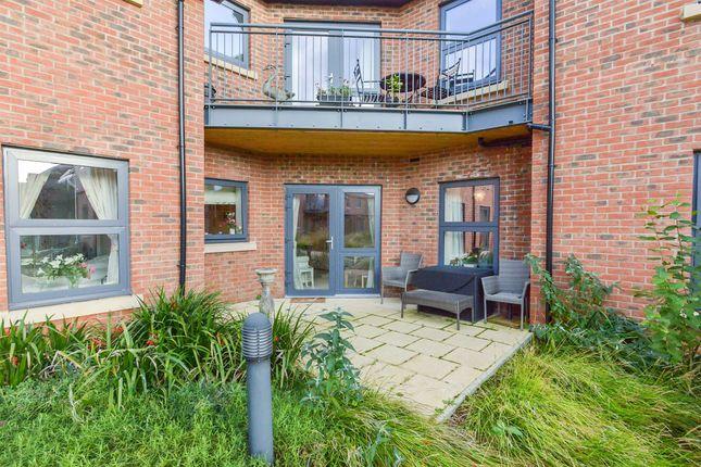 Thumbnail Flat for sale in St. Giles Mews, Stony Stratford, Milton Keynes