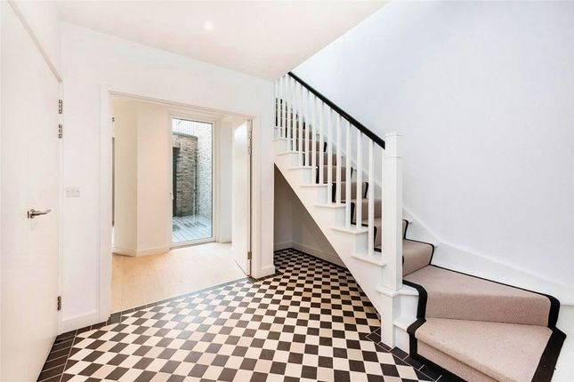 Thumbnail Terraced house for sale in Townhouse, Compass House, Royal Wharf