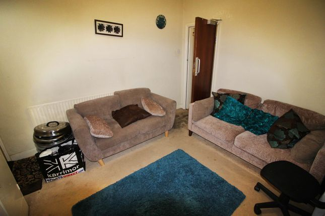 Thumbnail Terraced house to rent in Beeston Road, Dunkirk, Nottingham