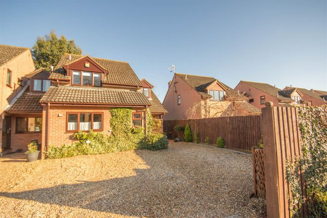 Thumbnail Link-detached house for sale in Bell Close, Cublington, Leighton Buzzard