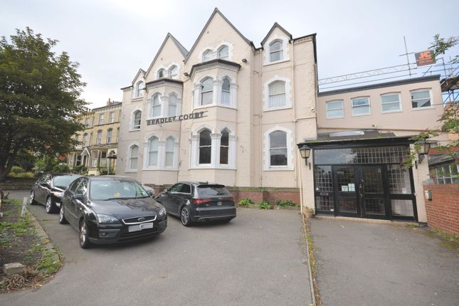 Thumbnail Flat to rent in Filey Road, Scarborough