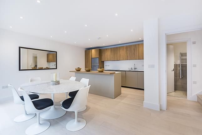 Thumbnail Flat for sale in Apt 4 Trinity Lofts, County Street, London