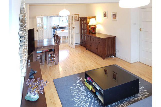 Living Room of Dale Crescent, Brighton BN1