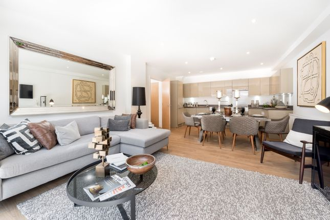 2 bed flat for sale in Devons Road, London