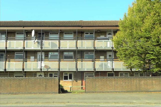 Thumbnail Flat for sale in Stratfield Road, Slough