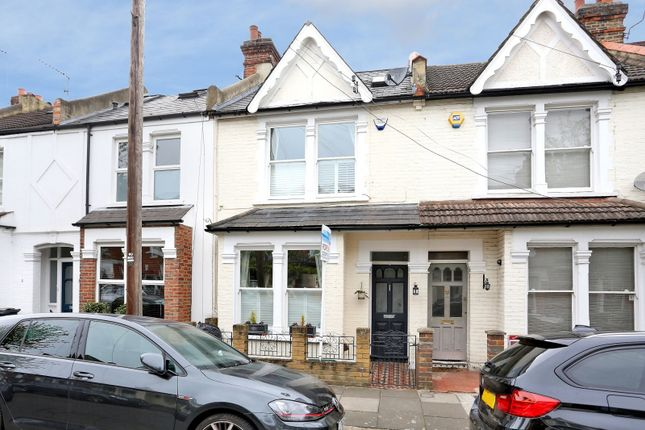 3 bed property to rent in Geraldine Road, Chiswick