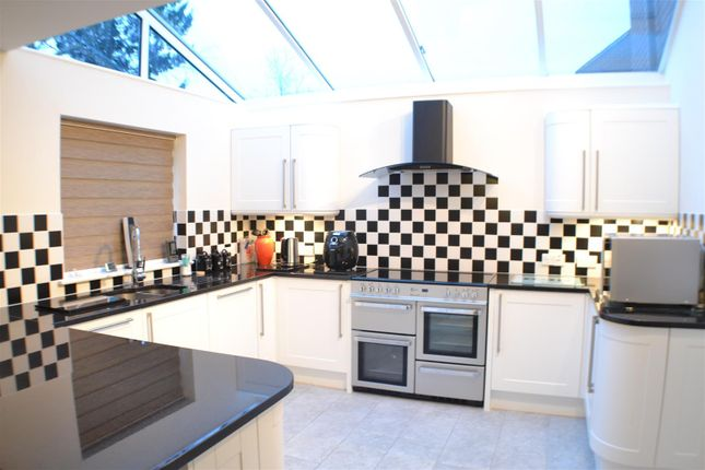 Thumbnail Detached house for sale in Whitedown Road, Tadley