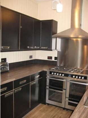 Thumbnail Shared accommodation to rent in Feversham Crescent, York