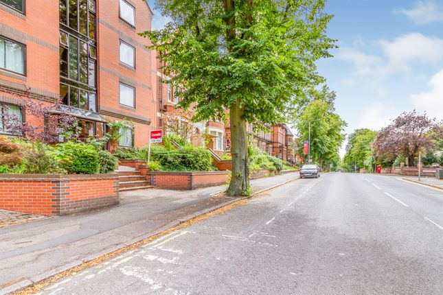 Thumbnail Flat for sale in University Road, Leicester