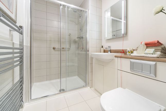 Flat for sale in Leighswood Road, Aldridge, Walsall