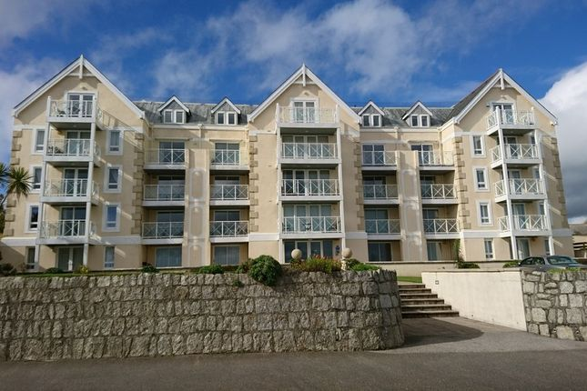 Thumbnail Flat to rent in Cliff Road, Falmouth