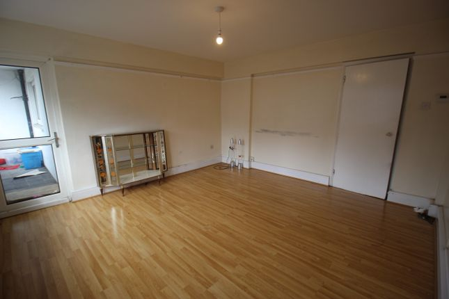 Thumbnail Flat for sale in Windsor Road, London