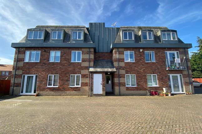 2 bed flat for sale in Grosvenor Mews, Billingborough, Sleaford NG34