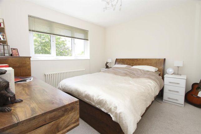 Bedroom of Nicholas Close, Greenford UB6