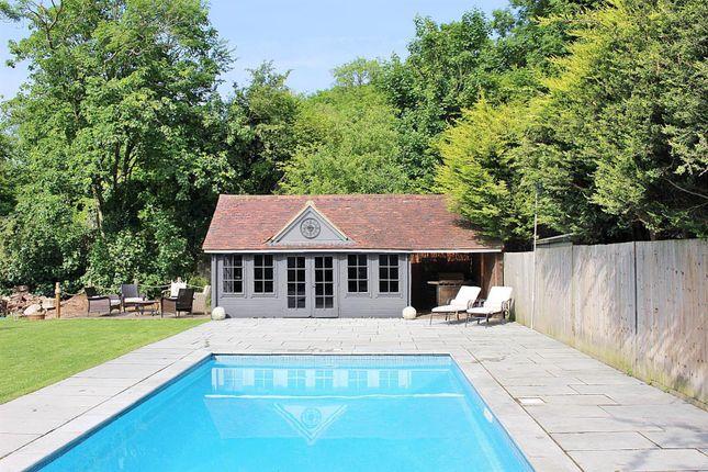 Swimming Pool_Rav0071623_1 Grey