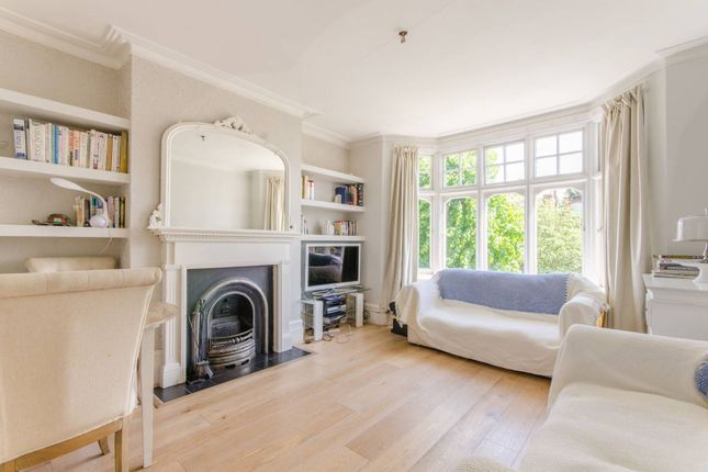 Thumbnail Maisonette for sale in Caversham Avenue, Palmers Green