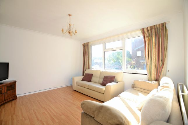 Living Room of Rickard Close, Brixton SW2