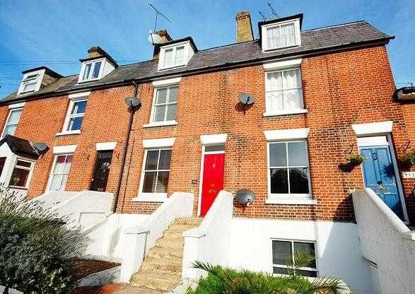 Thumbnail Flat to rent in Stockbridge Road, Winchester