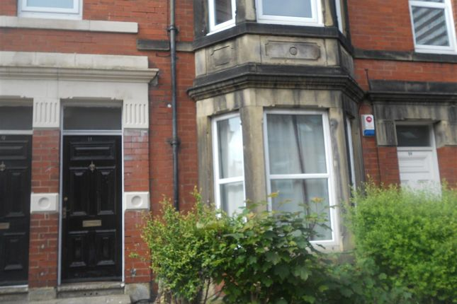 3 bed flat to rent in Wolsley Gardens, Jesmond, Newcastle Upon Tyne