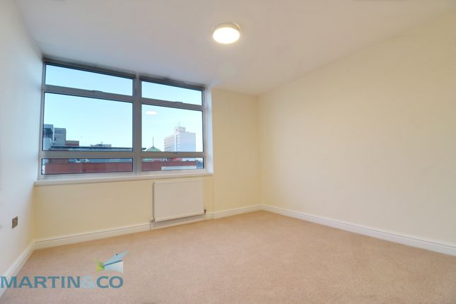 Thumbnail Flat to rent in Clifftown Road, Southend-On-Sea