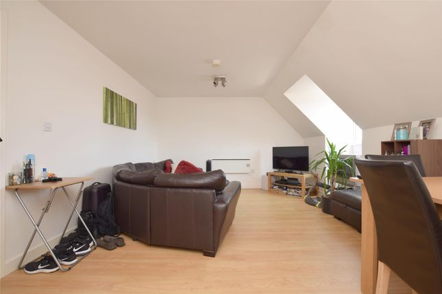 Thumbnail Flat to rent in Nayland Court, Market Place, Romford
