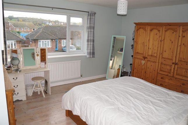 19 Green Lane Bed 1