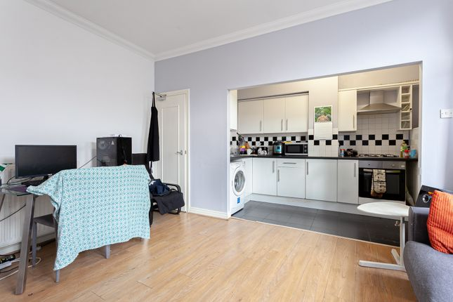 Thumbnail Flat to rent in Wilmslow Road, Withington