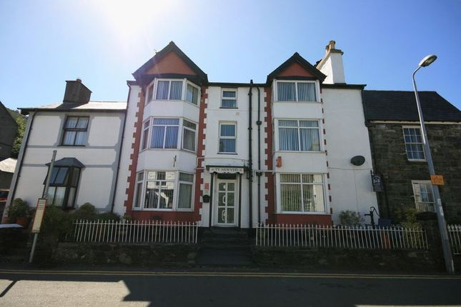 Thumbnail Terraced house for sale in Trefriw