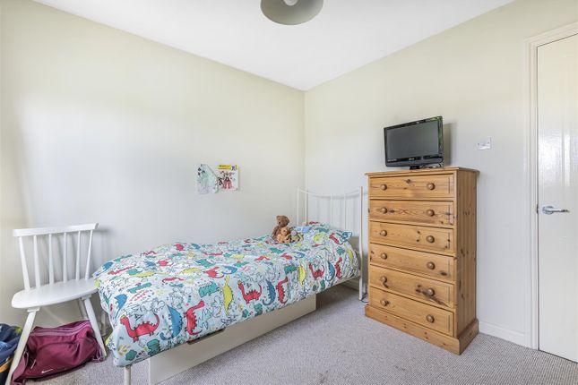521373 (8) of Furzehill Crescent, Crowthorne, Berkshire RG45